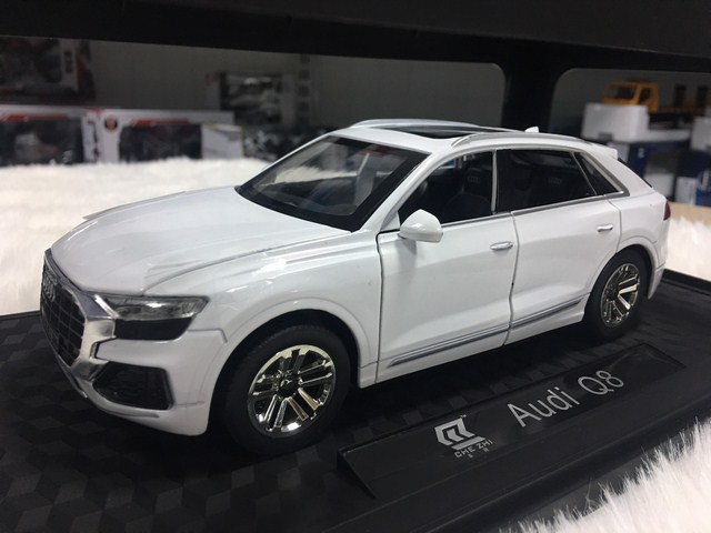 SP005162 -[CheZhi] Audi Q8 [White]