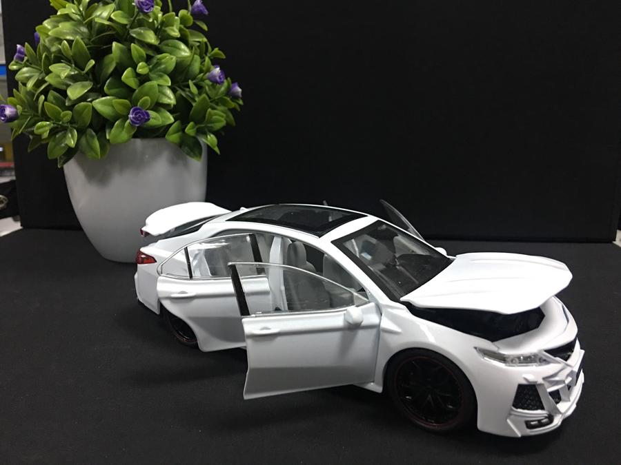 SP006027  [Hengteng] Toyota Camry Modified 535-82 124 [White]